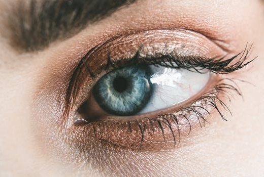 WHY EYE DROPS FOR TIRED EYES ARE THE FIRST CHOICE?